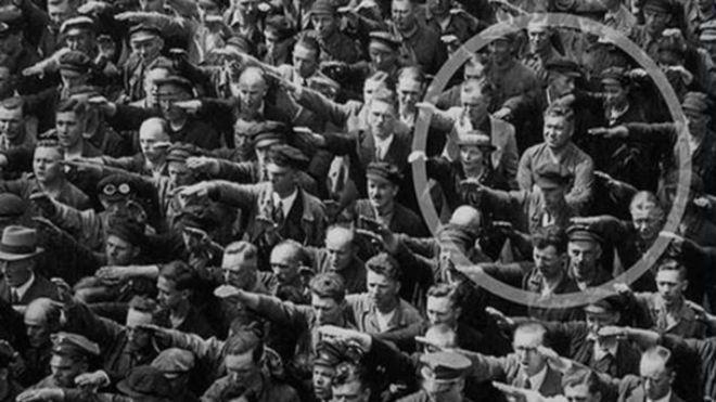 salut-nazi-hambourg-refus_877320